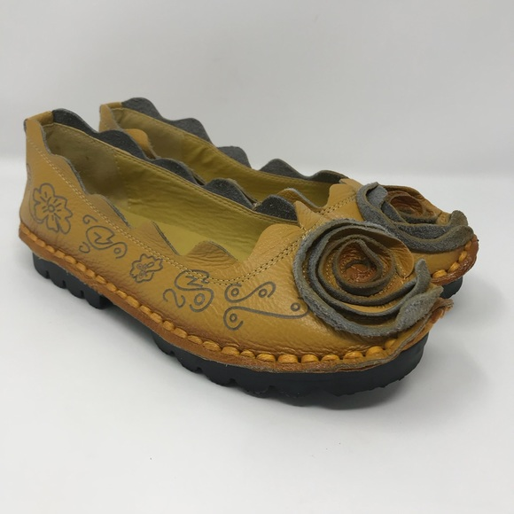 80a89cdca6b HIN RUI Korean Floral Slip on Comfort Shoes